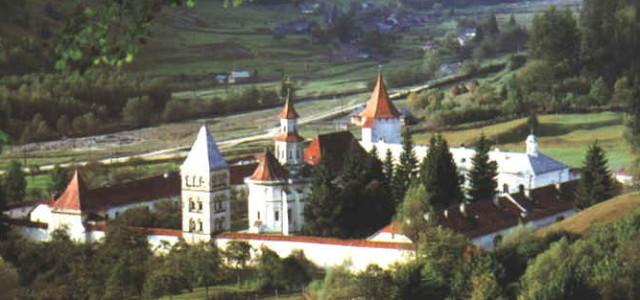 Mănăstirile salvează turismul din Moldova