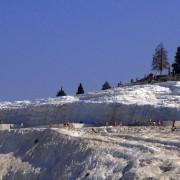 """""""Castelul de bumbac""""– fortăreața naturală de un alb imaculat"""