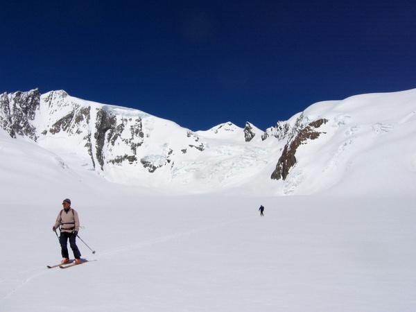 """Alpin Film Festival și Salvamont România va invită la conferința """"Medicină la altitudine"""""""