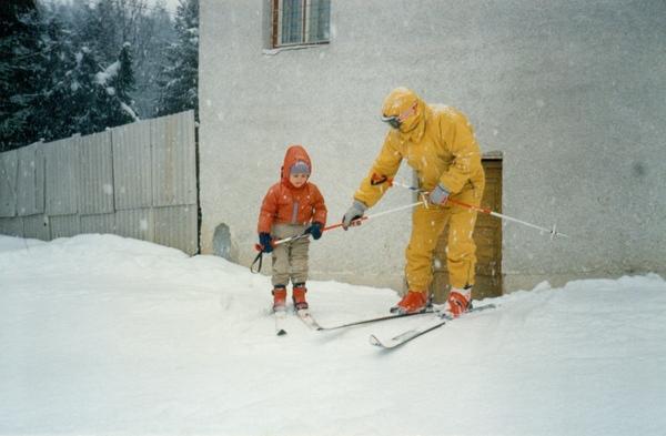 O nouă metodă de inițiere, învățare şi perfecționare a mersului şi alunecării pe schiuri. Metoda profesorului Nelu Cosma