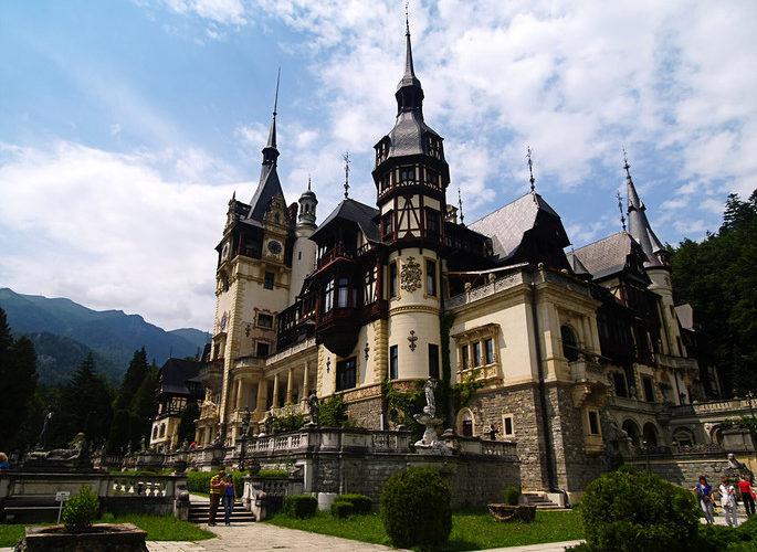 Sinaia: Orașul Regal model de succes în turismul românesc