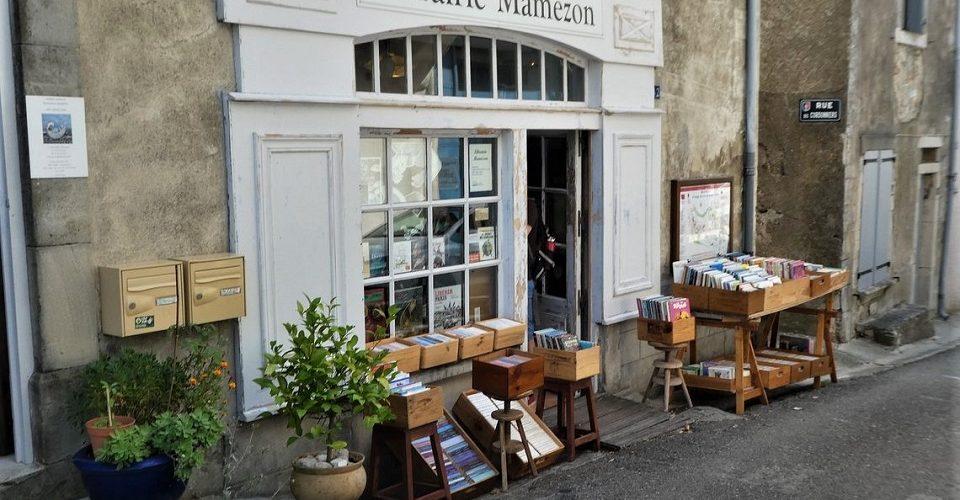 Montolieu, popas în satul-librărie